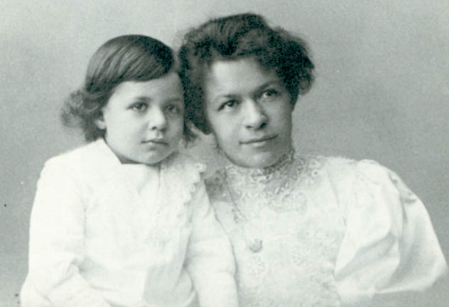 Aventuras na História · Esnobada da Teoria da Relatividade e casamento  cruel: a esquecida Mileva Marić-Einstein